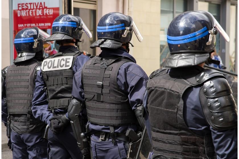 30 000 caméras-piétons commandées par le ministère de l'Intérieur : la police française s'équipe