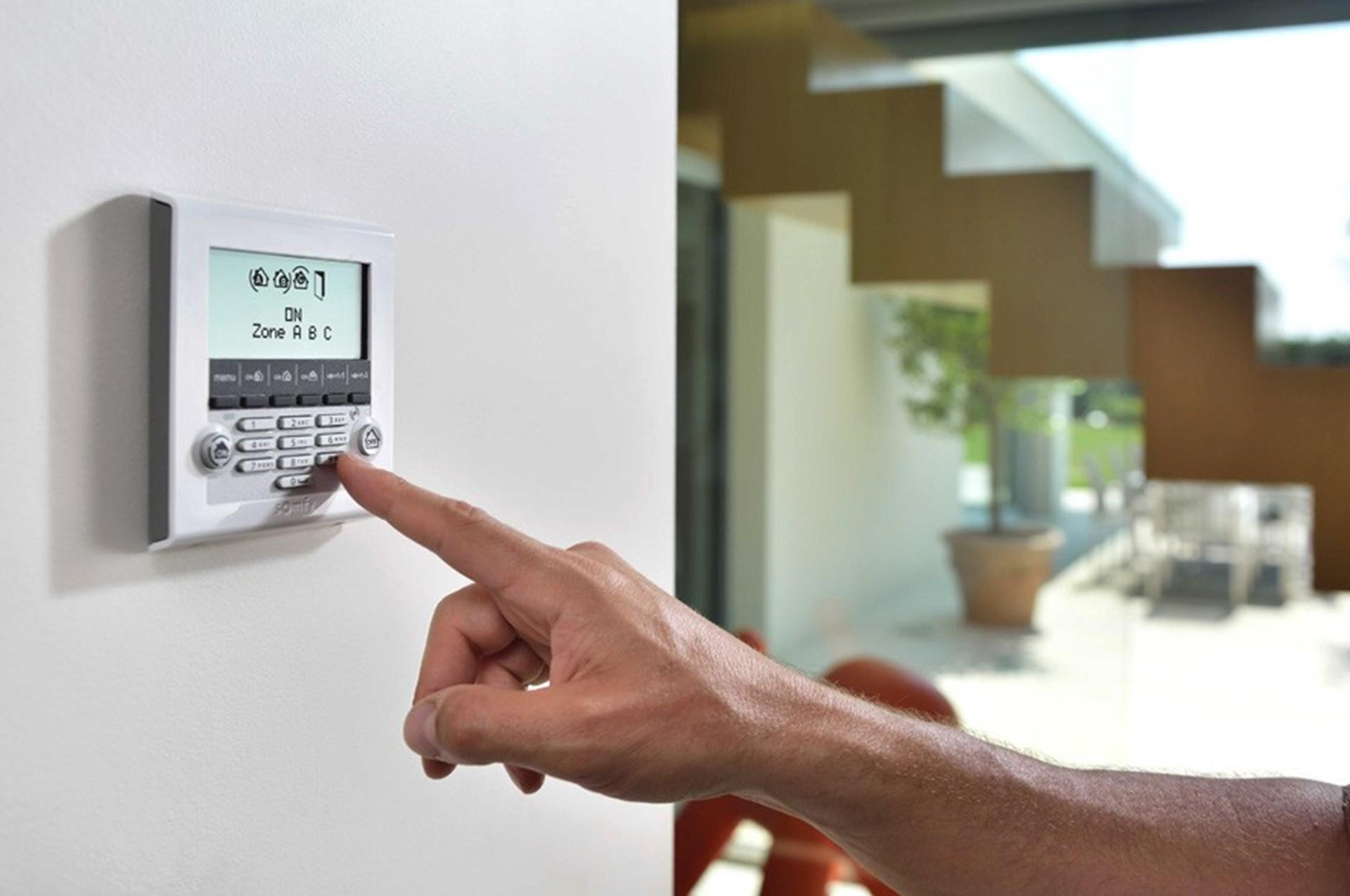 Quels sont les 3 différents types de systèmes d'alarme ?